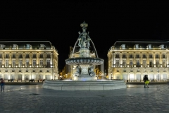 Le Palais de la Bourse de nuit / The Palais de la Bourse by night