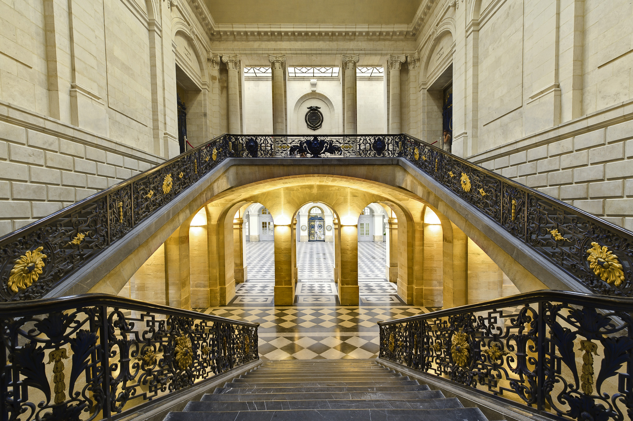Escalier d 39 honneur bordeaux palais de la bourse l for Chambre de commerce et d industrie de bordeaux