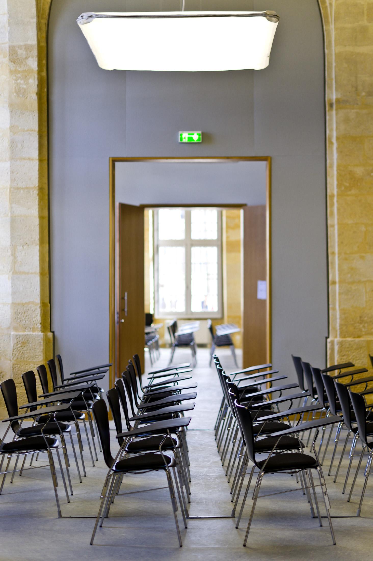 nouvel espace r ceptif de la chambre de commerce et d 39 industrie de bordeaux bordeaux palais de. Black Bedroom Furniture Sets. Home Design Ideas